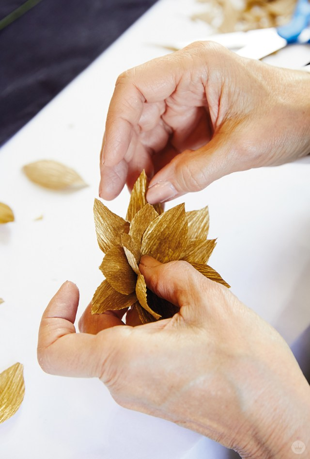Making crepe paper poinsettias
