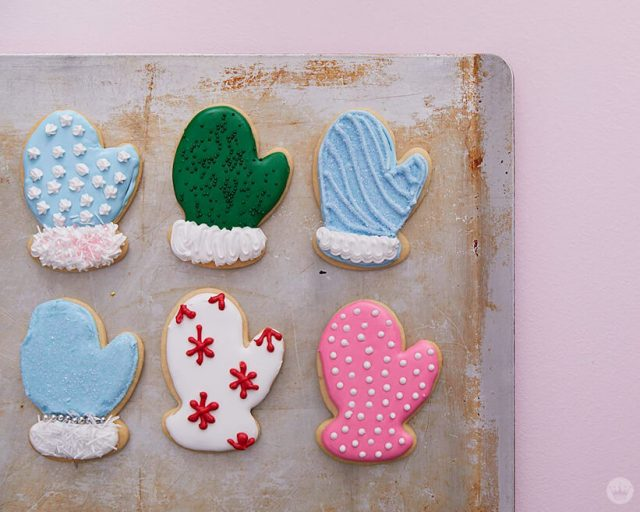 2018 cookie decorating trends: mittens with different patterns