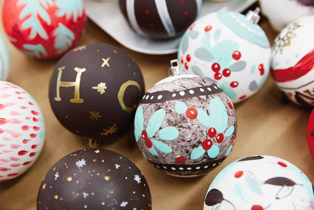 DIY ornament ideas: Hand-painted Christmas ornaments
