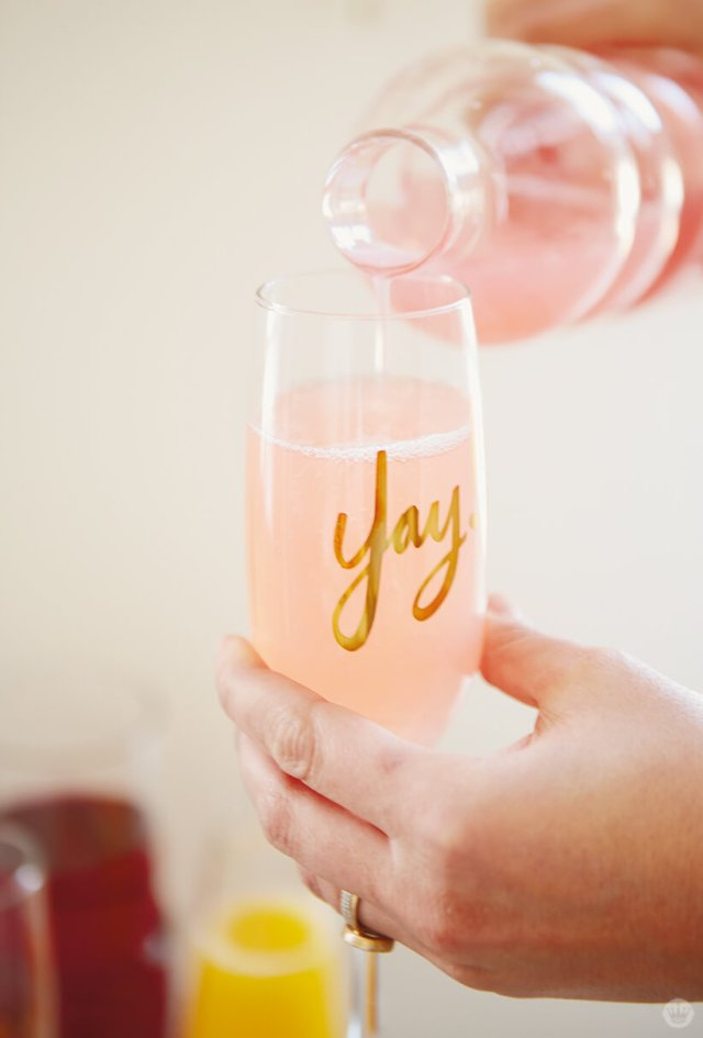Pouring a mimosa