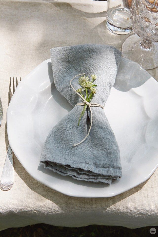 gathered florals as a napkin ring | thinkmakeshareblog.com
