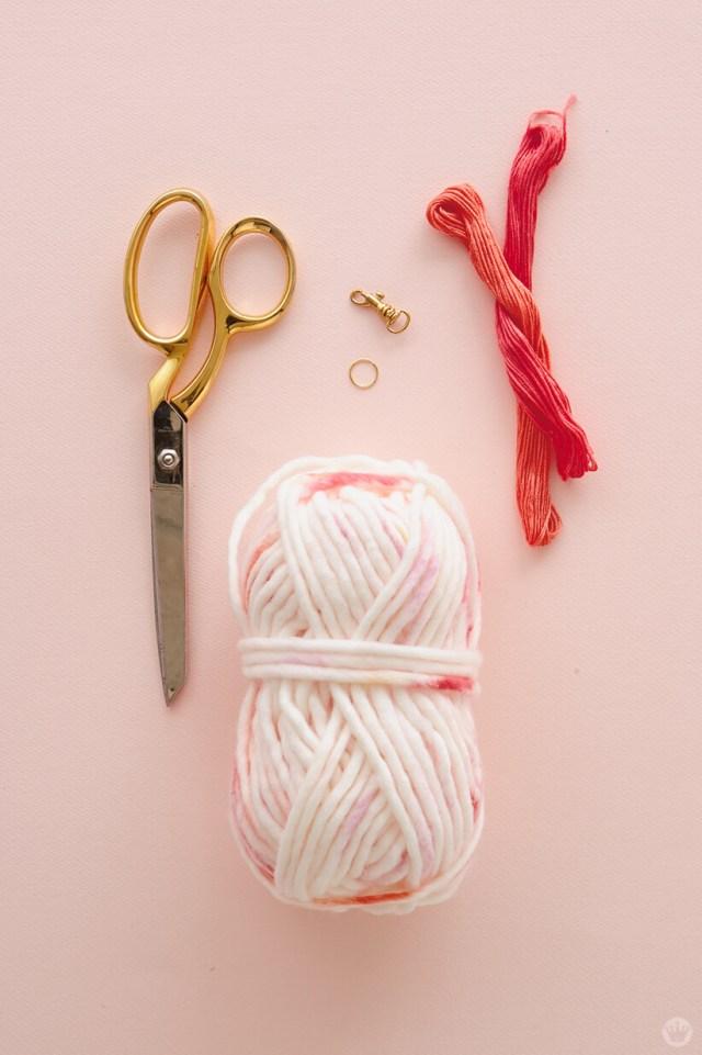 DIY Chunky Yarn Keychain: Tassel supplies