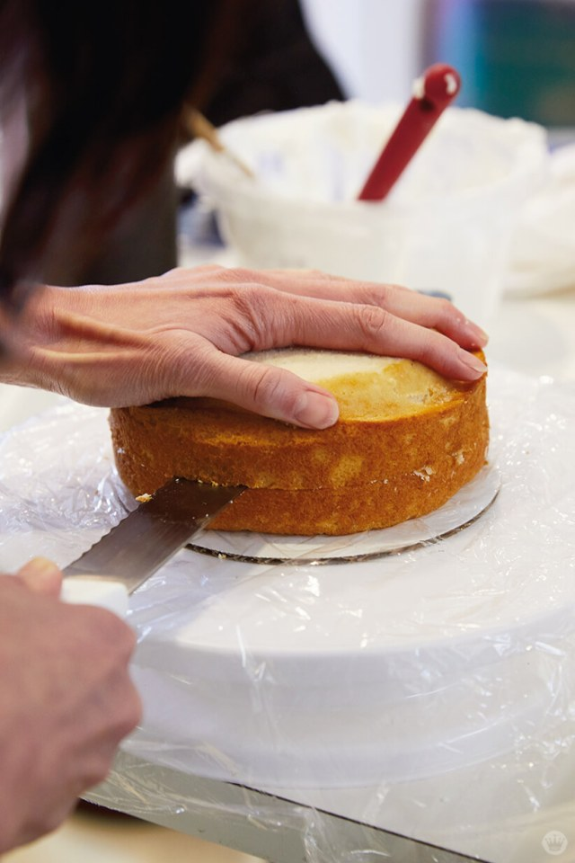 Slicing a layer cake