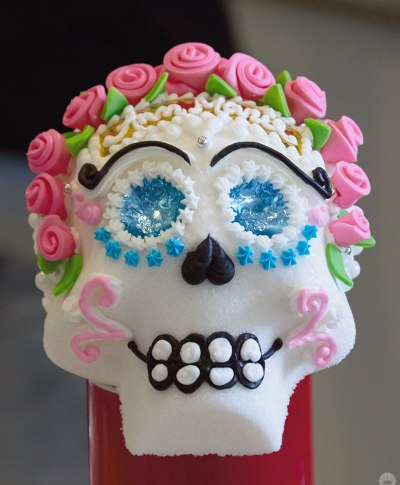 DIY Sugar Skulls | thinkmakeshareblog.com