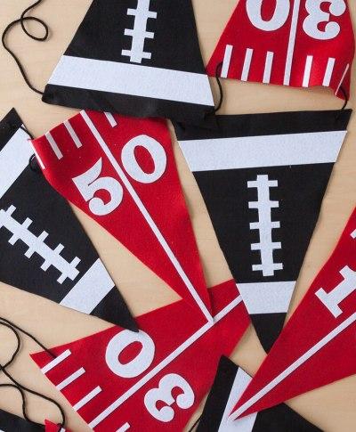 Felt Tailgate Banner | thinkmakeshareblog.com