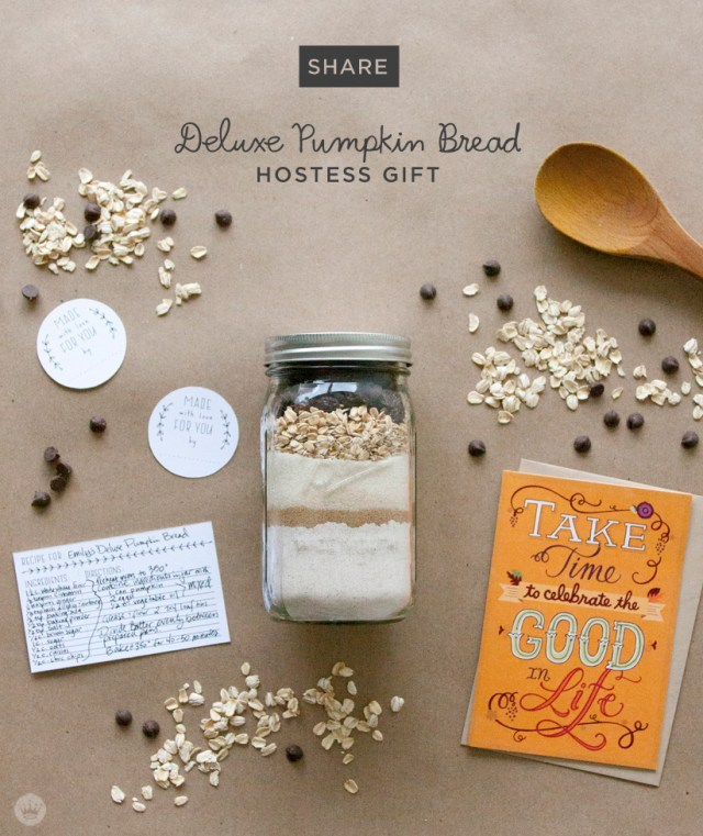 Thanksgiving Hostess Gift Idea | Deluxe Pumpkin Bread in a Jar | thinkmakeshareblog.com