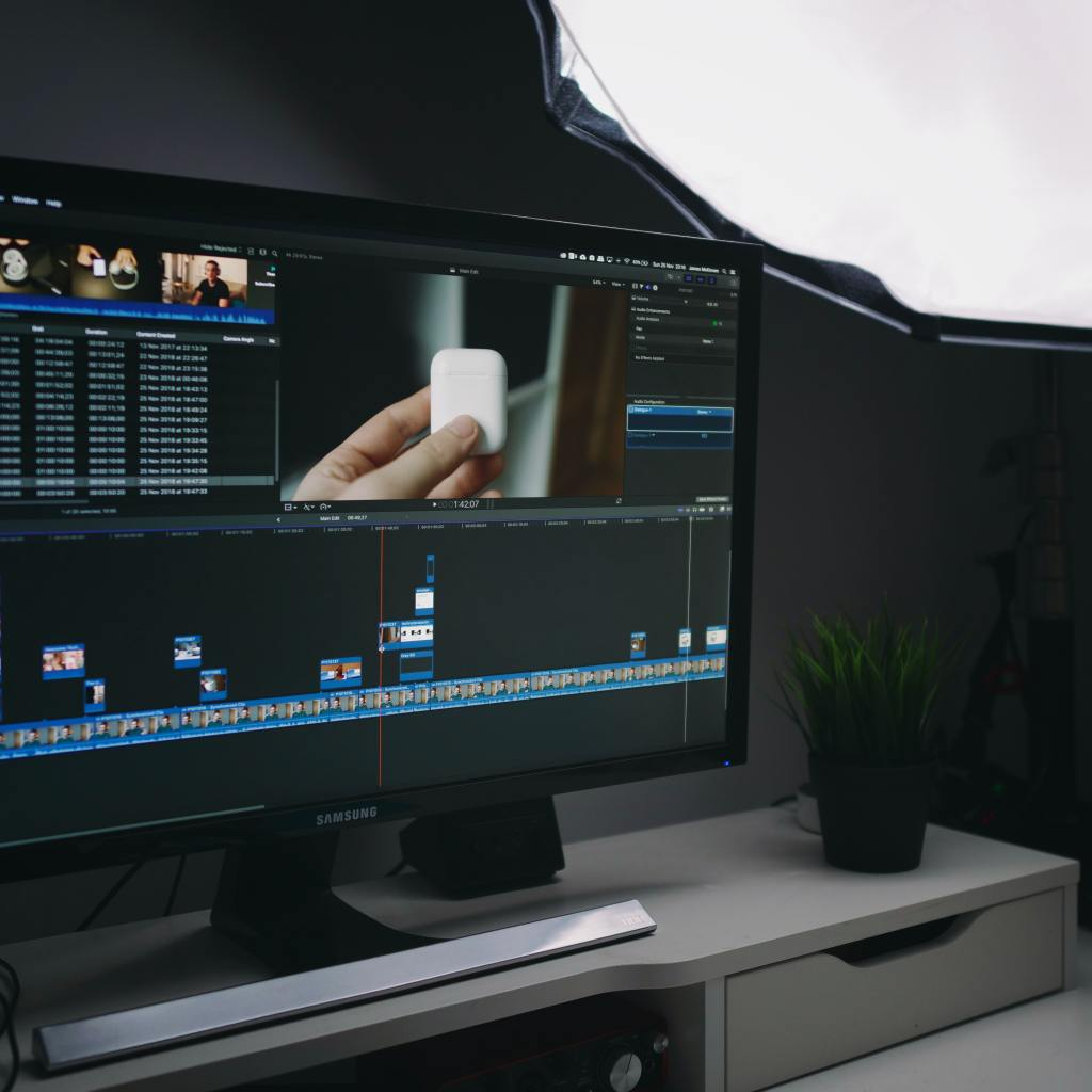 install titles and transitions in Final Cut Pro