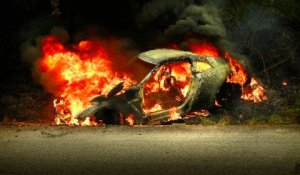 car_crash_nissan_r35_gtr_burns_down_in_malaysia