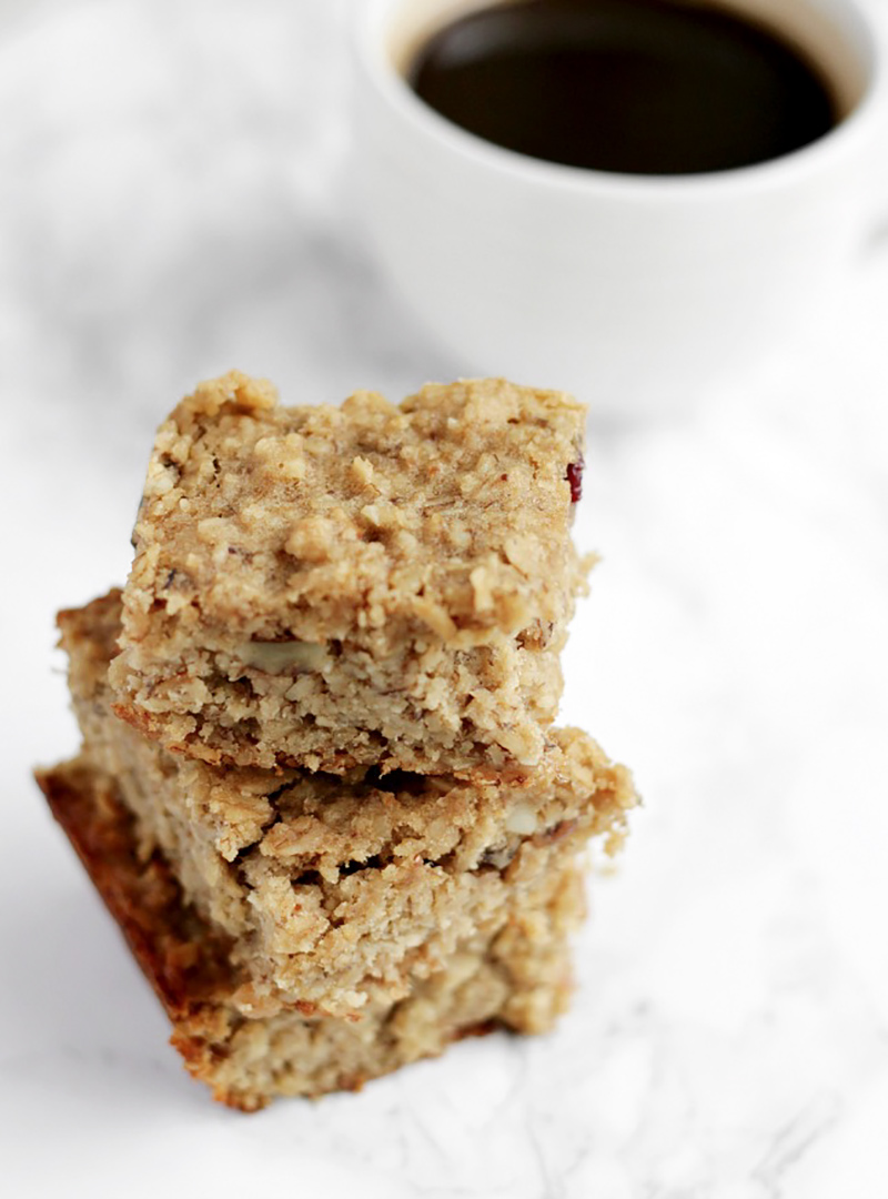 Clean eats: banana & oat breakfast bars