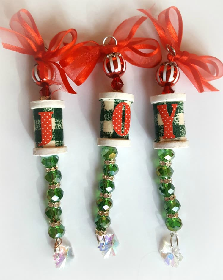 Beaded Joy Ornament for the 2018 Christmas Ornament Exchange from www.thisautoimmunelife.com #christmas #ornament #DIY
