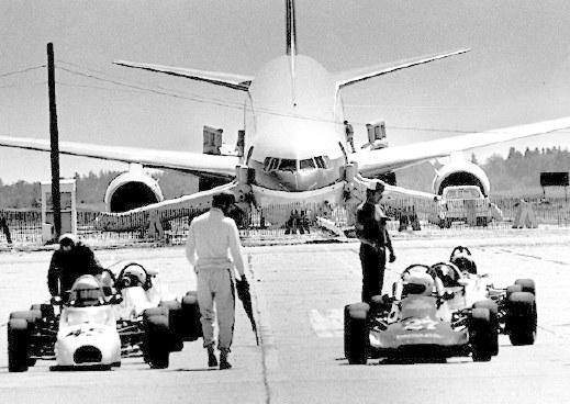 The Gimli after landing (photo by Wayne Glowacki, Winnipeg Free Press)