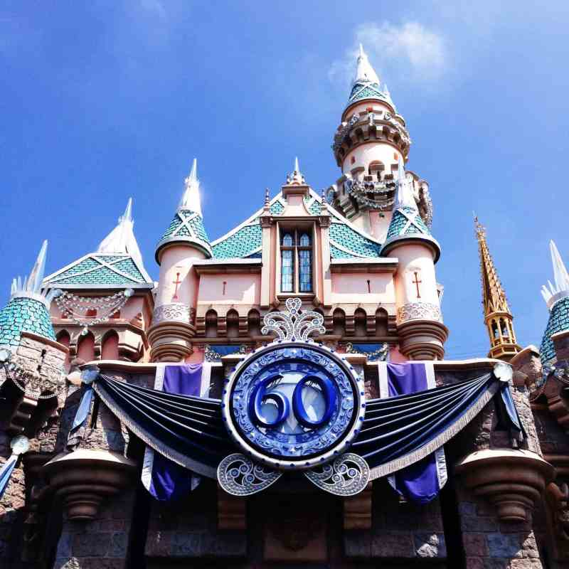 10 Tips to Survive Disneyland in the Summer