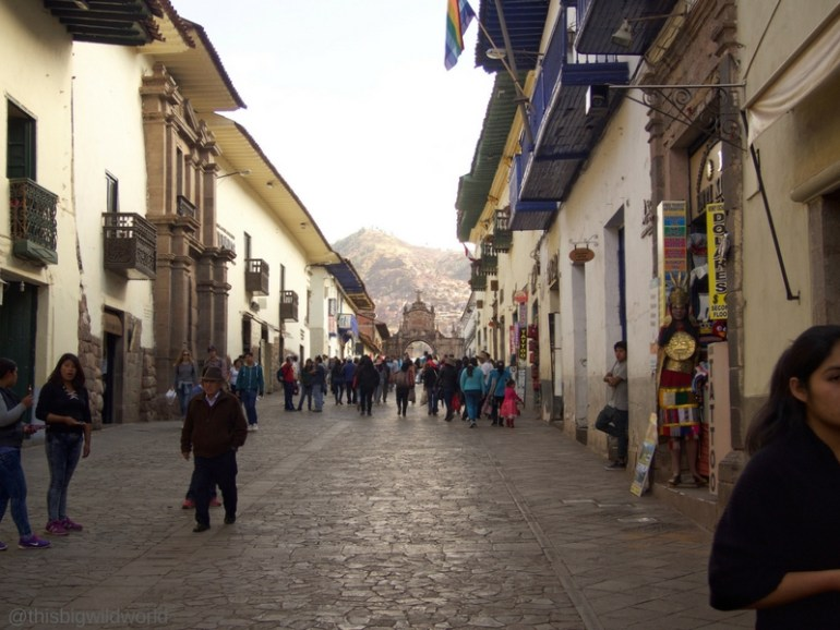 Image of Calle Mantas, a street in Cusco that goes from Plaza de Armas to one of the markets.