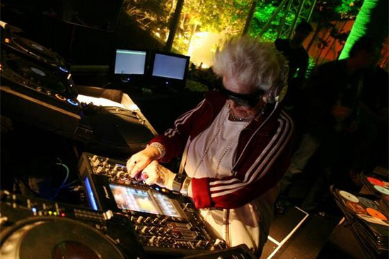 granny-djing