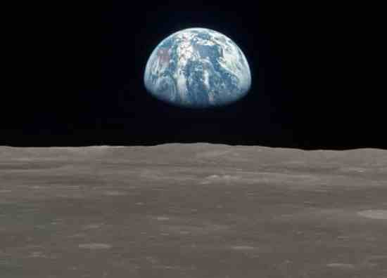 Controversial Points about the Moon Landings and Starless Sky