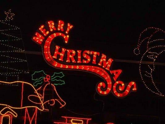 10 Great LED Christmas Lights Ideas
