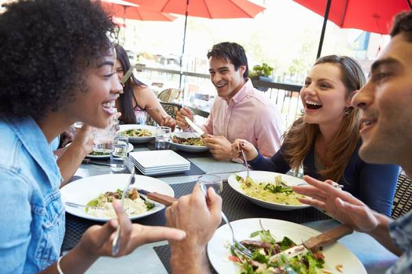 Socializing at meals is part of a few suggestions to deal with anorexia.