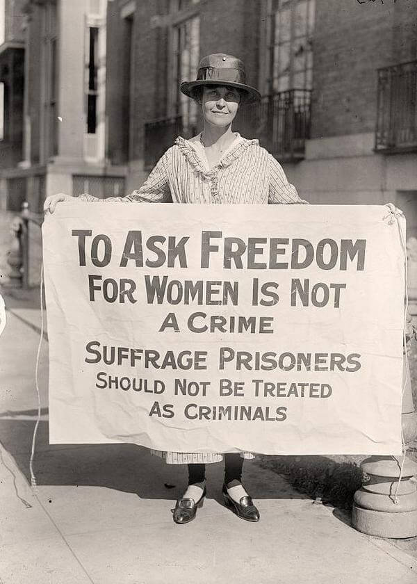 Rare historical photos of the suffragist movement