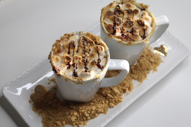 recipes, cooking, holiday recipes, Hot Chocolate, S'mores, S'mores Hot Chocolate, Holiday drinks, Chef, Warm Drinks,