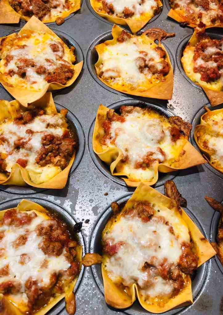 individual lasagna cups with cheese and meat sauce