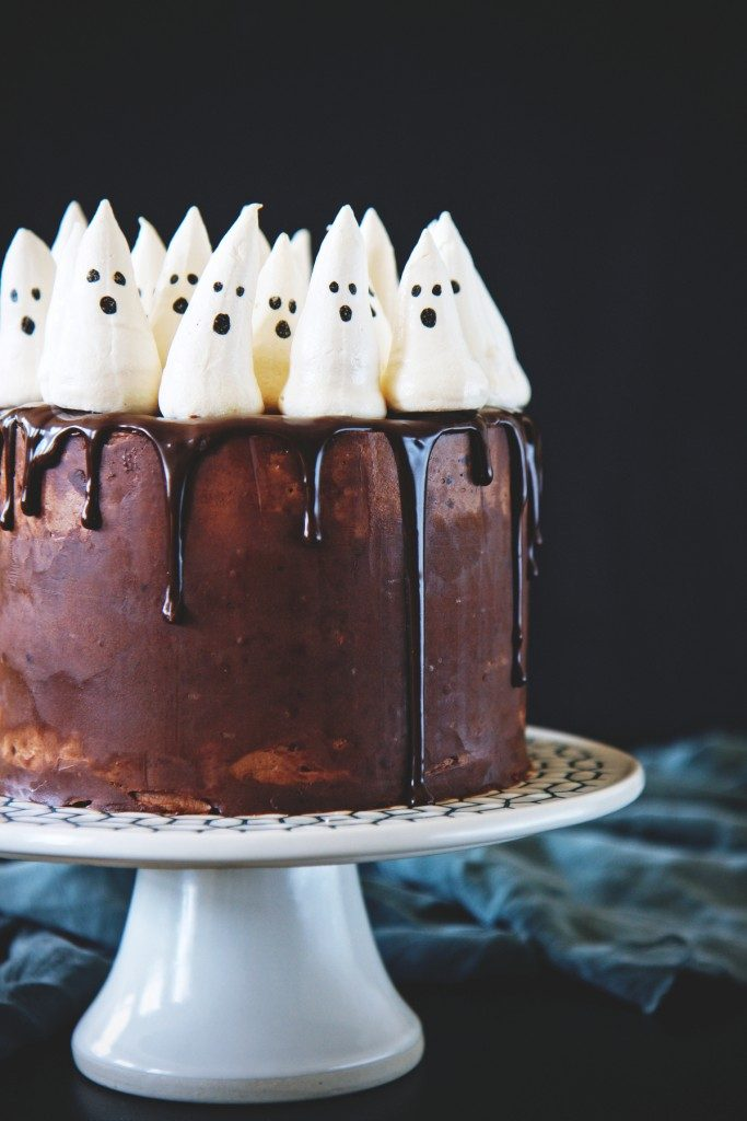 13 Scary Good Halloween Cakes