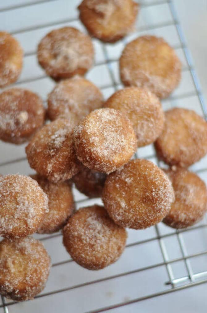 Cinnamon-Sugar Doughnut Muffins | Honest to Nod