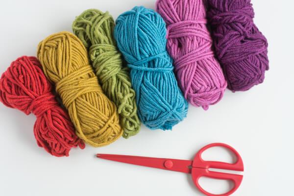Make a Rainbow Pom Pom Necklace! | this heart of mine