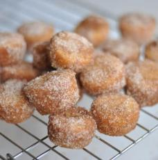 Cinnamon-Sugar Doughnut Muffins