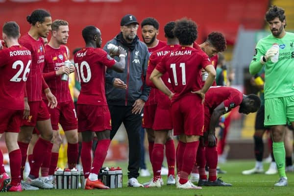 LIVERPOOL, ENGLAND - Sunday, July 5, 2020: Liverpool's manager Jürgen Klopp speaks to his players during a water break during the FA Premier League match between Liverpool FC and Aston Villa FC at Anfield. The game was played behind closed doors due to the UK government's social distancing laws during the Coronavirus COVID-19 Pandemic. (Pic by David Rawcliffe/Propaganda)
