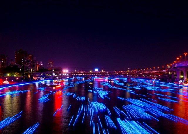 100,000 LED Spheres Flowing Down a Japanese River light Japan installation art