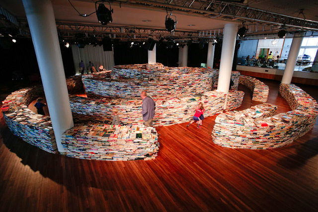 A Giant Labyrinth Constructed from 250,000 Books timelapse multiples mazes installation books