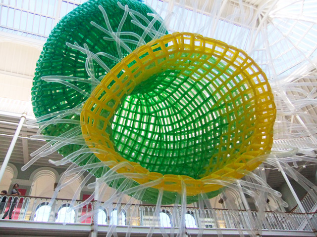 Artist Jason Hackenwerth Unveils Massive New Balloon Sculpture at Edinburgh International Science Festival sculpture balloons