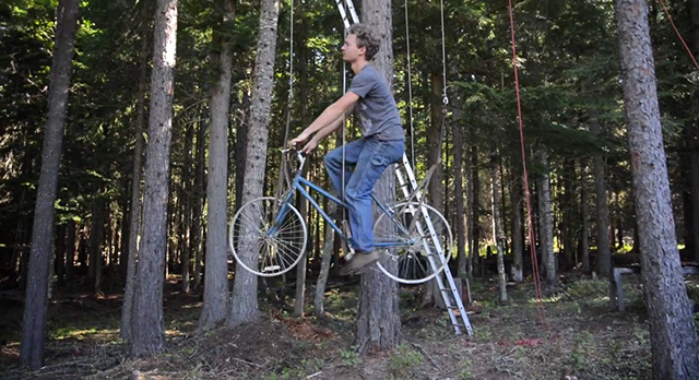 An Ingenious Bicycle Powered Treehouse Elevator Lifts a Rider 30 Feet in Seconds  treehouses elevators bicycles