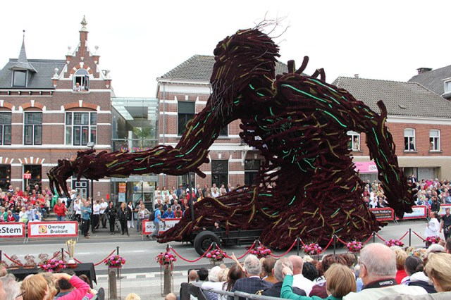Giant Sculptural Floats Covered in Flowers from Corso Zundert 2013 sculpture parades Netherlands flowers