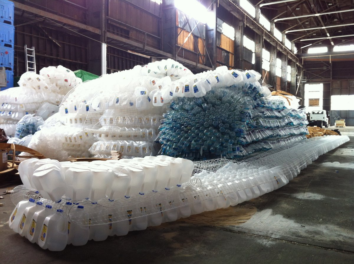 A Sculptural Cloud of Plastic Bottles Illustrates One Hour of Trash in NYC trash sculpture plastic New York multiples installation clouds