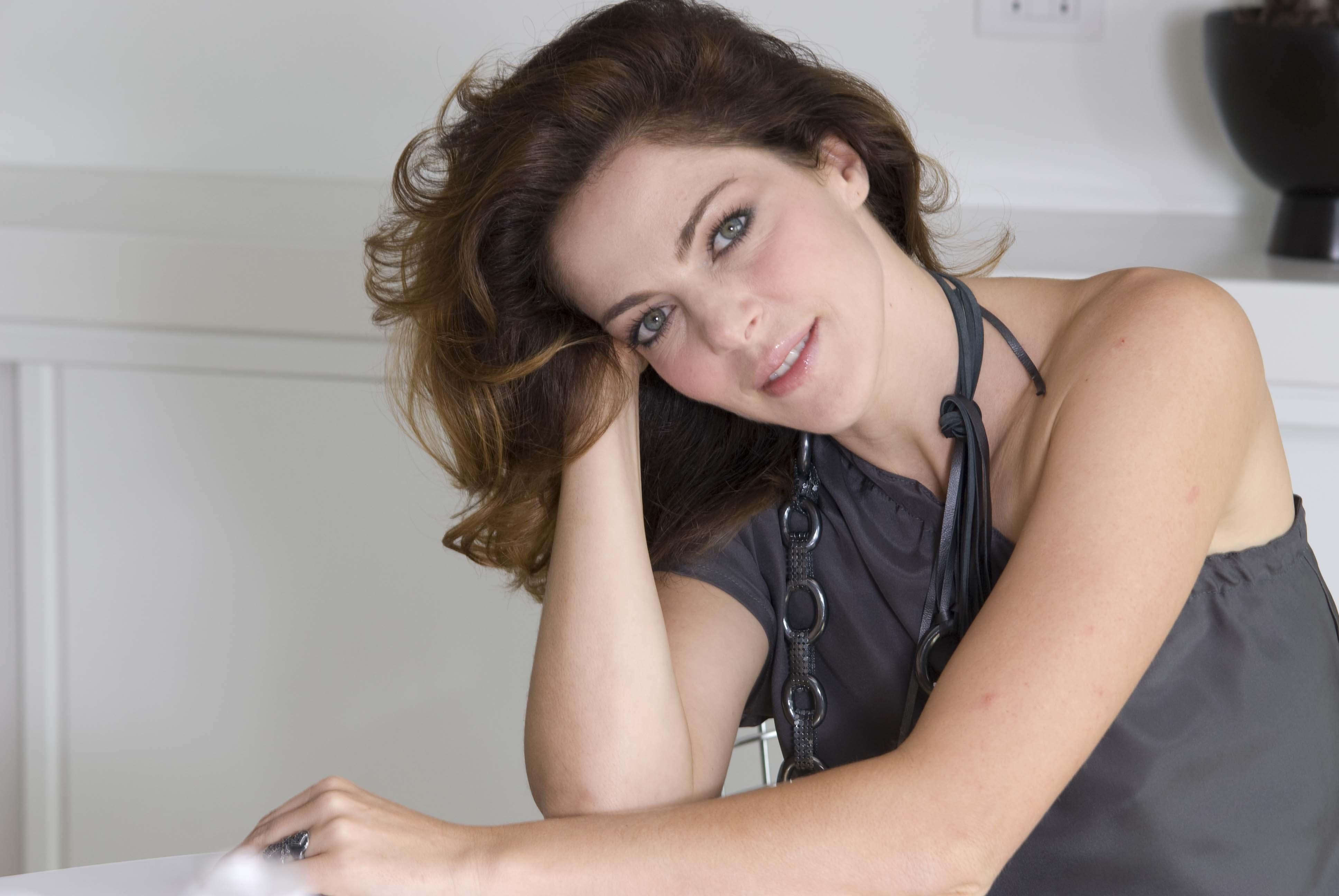 Claudia Gerini Nude Photos 25