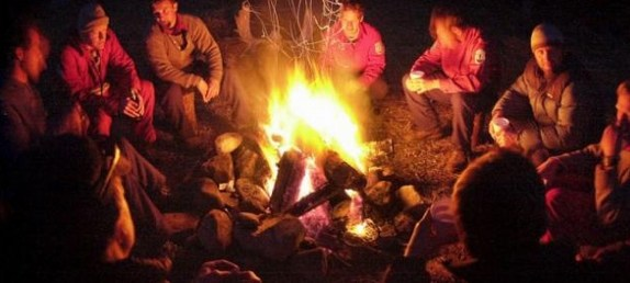 camp_fire_group_w640
