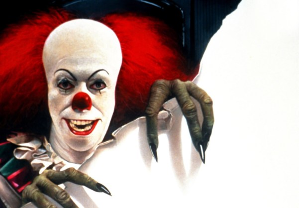 STEPHEN KING'S IT, Tim Curry (as Pennywise the Clown), 1990, (c)Warner Bros. Television/courtesy Eve