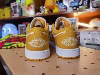 Air Jordan 1 Low Pollen (2)