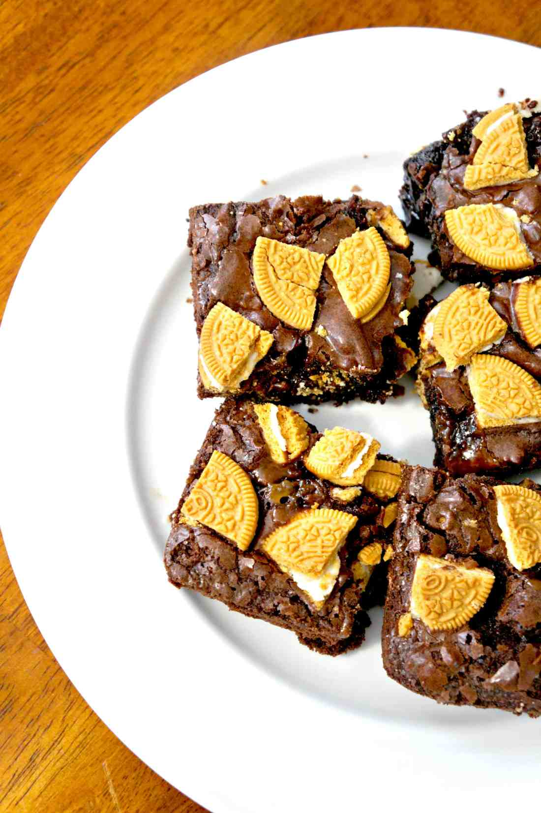 Caramel Golden Oreo Brownies. Easy dessert recipe.