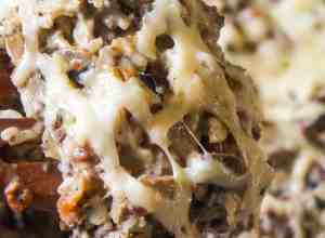 Bacon Mushroom Swiss Ground Beef and Rice is an easy stove top dinner recipe that can be on the table in under 30 minutes. This ground beef dish is loaded with sliced mushrooms, real bacon bits and Swiss cheese.