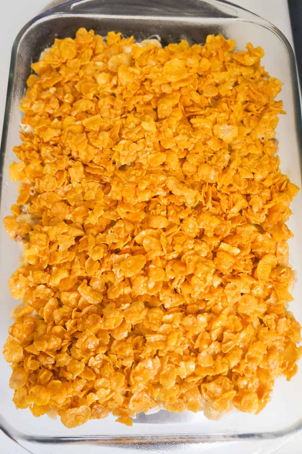 frosted flakes on top of mac and cheese
