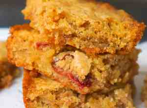 Special K Red Berries Blondie Bars are a rich and chewy dessert. These toffee flavoured bars are loaded with Special K breakfast cereal.