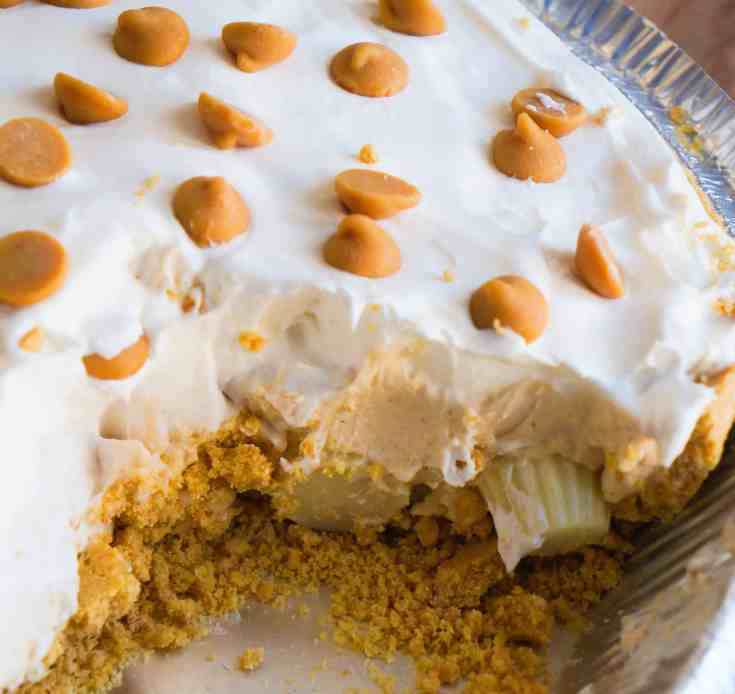 White Chocolate Peanut Butter Pudding Pie is an easy dessert recipe.
