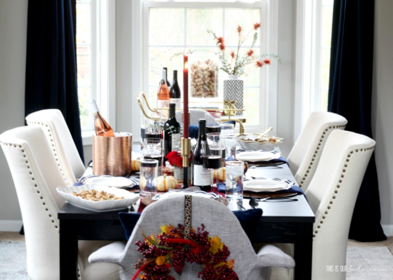 Navy Blue and Burgundy Thanksgiving Tablescape plus my go-to wine and appetizer pairings #Thanksgiving #ThanksgivingTable