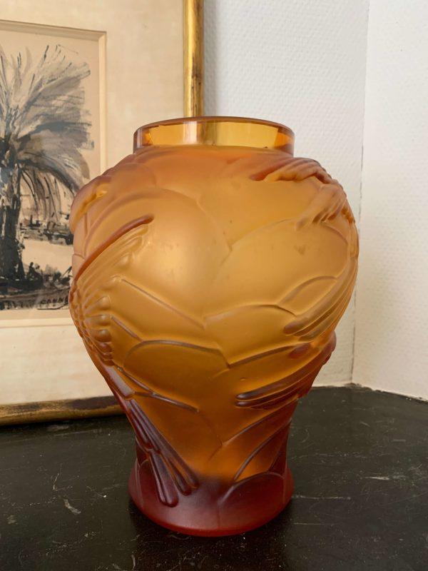 ancien vase art deco souchon-neuvesel hirondelles verre moulé