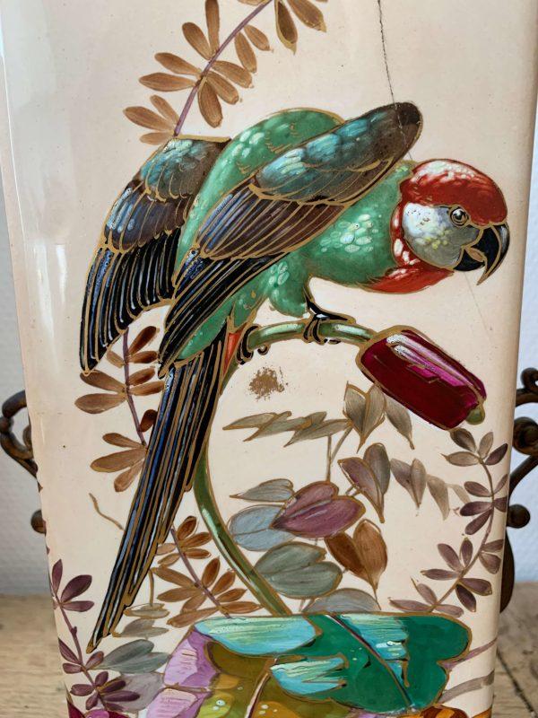 paire de vases en porcelaine décor de perroquet 19ème siècle napoléon III