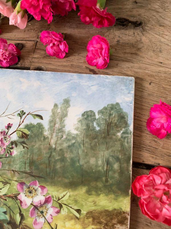 Ancienne peinture de fleurs et de paysage sur porcelaine