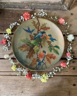 ancien plat en terre cuit peint oiseaux et feuilles de chênes