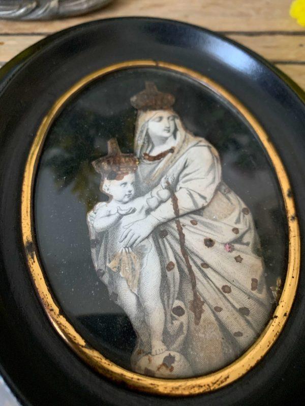 ancien cadre napoleon 3 contenant une image vierge à l'enfant paillettes